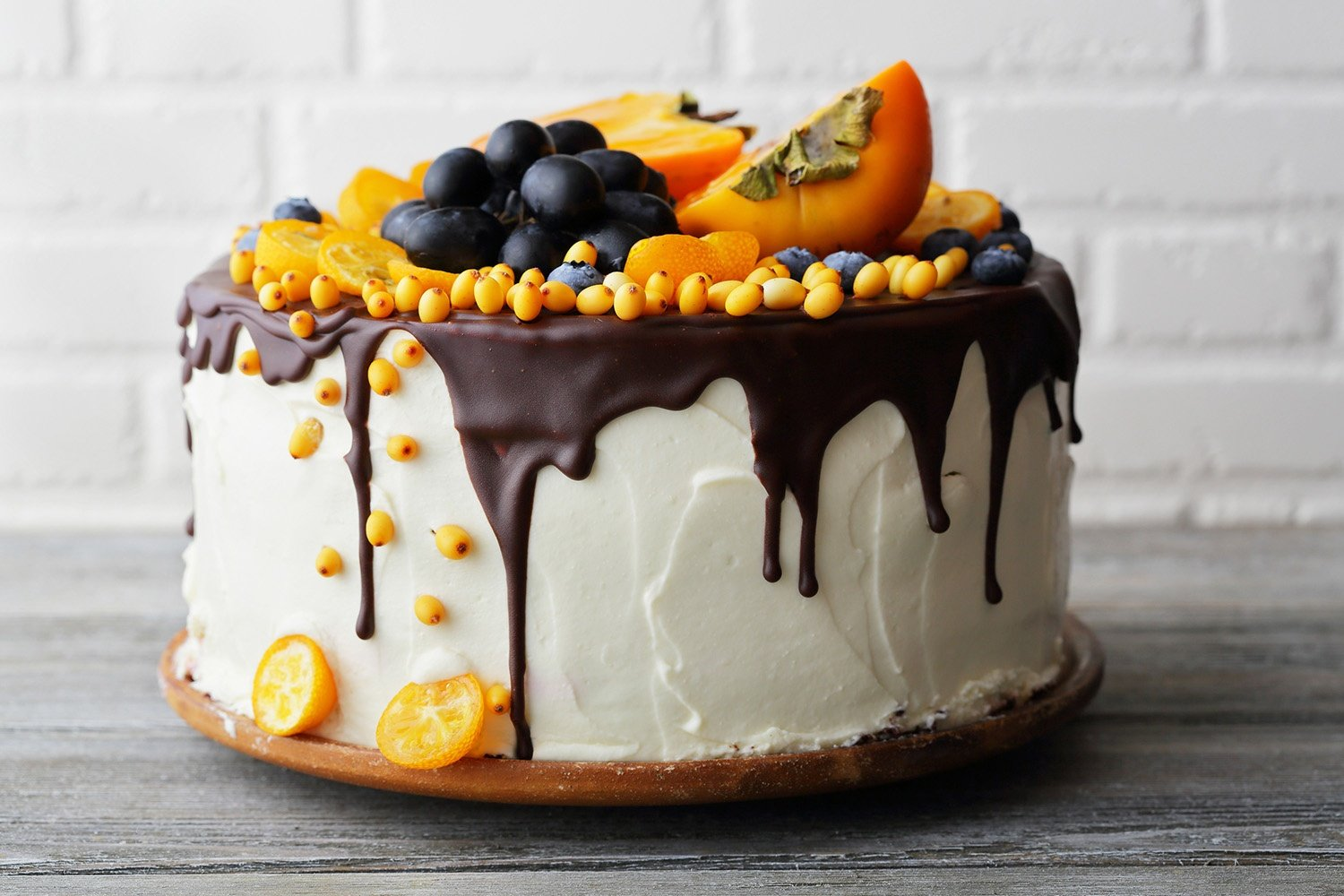 Cake with fruits and cream