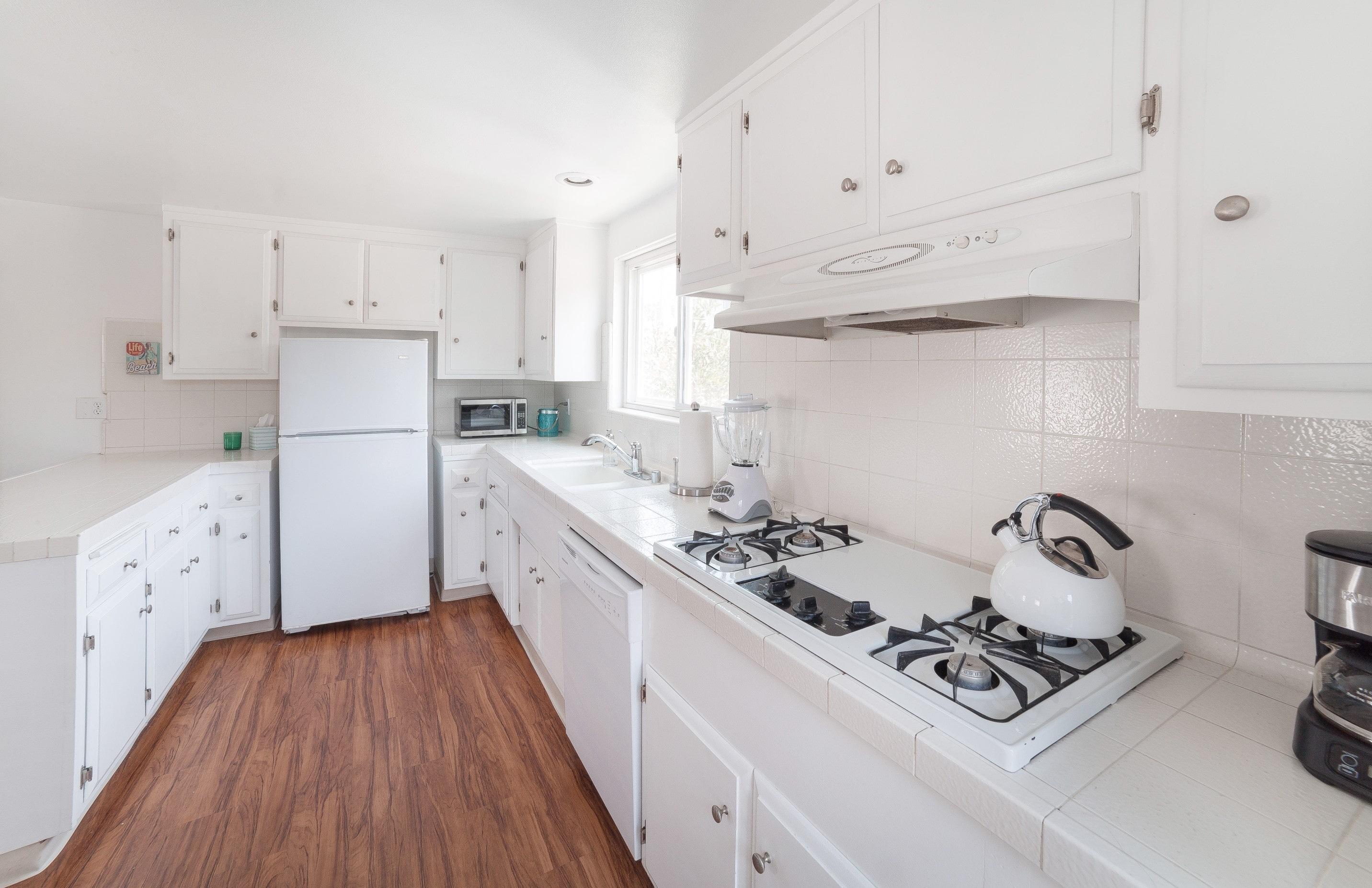 MB Apartment Kitchen 2