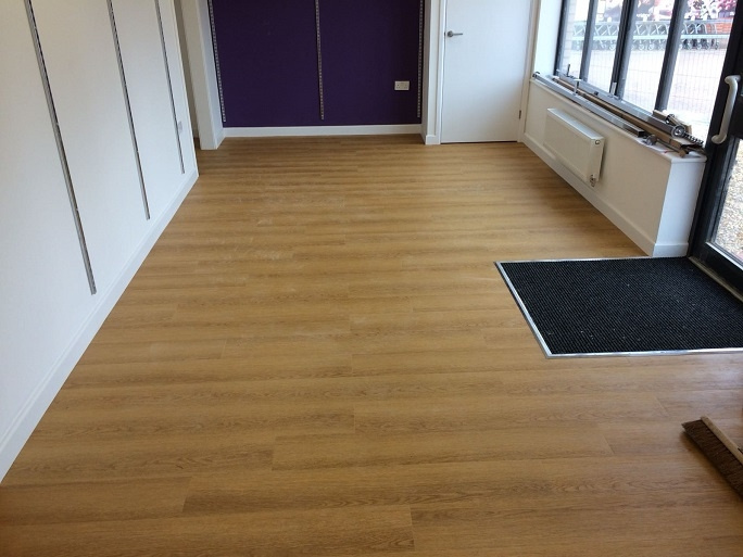 https://0201.nccdn.net/1_2/000/000/104/568/feat-the-flooring-we-laid-and-the-carpet-mat-684x513.jpg