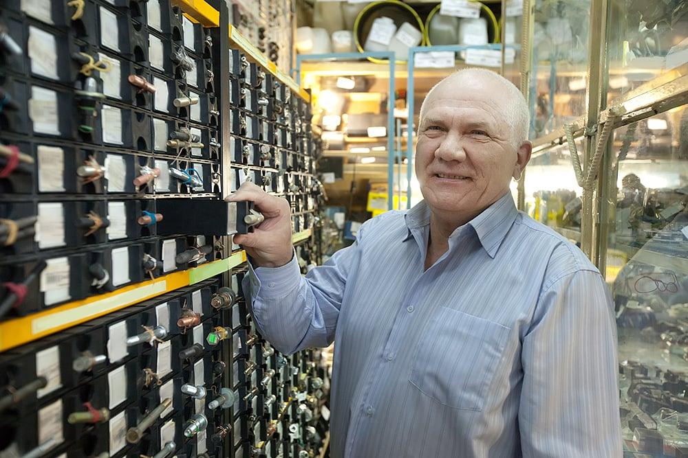 Customer choosing fasteners at the store||||