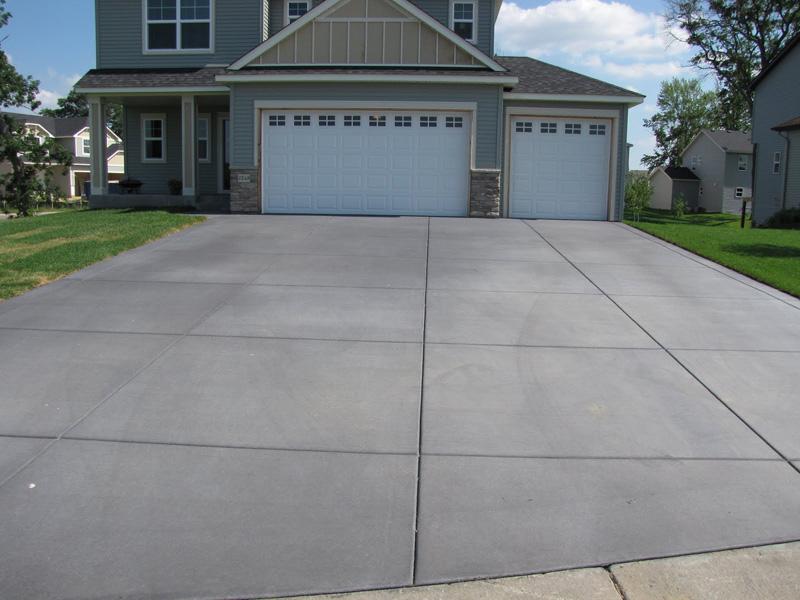 3-Car Garage Concrete Driveway