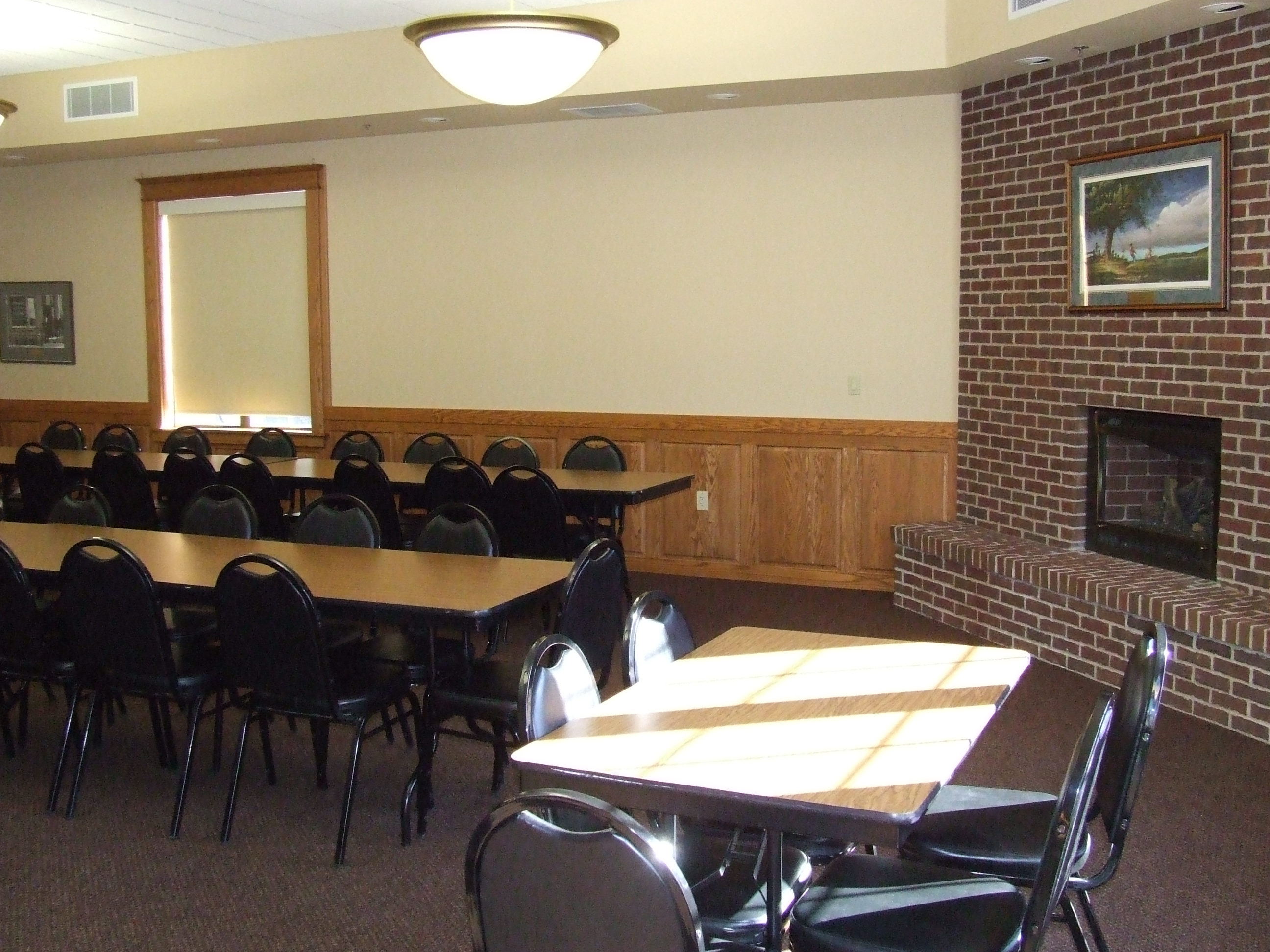 Sprague Room - row tables and presenter table