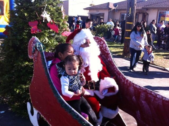 https://0201.nccdn.net/1_2/000/000/108/80e/christmas-on-the-streets---rich-ca..jpg