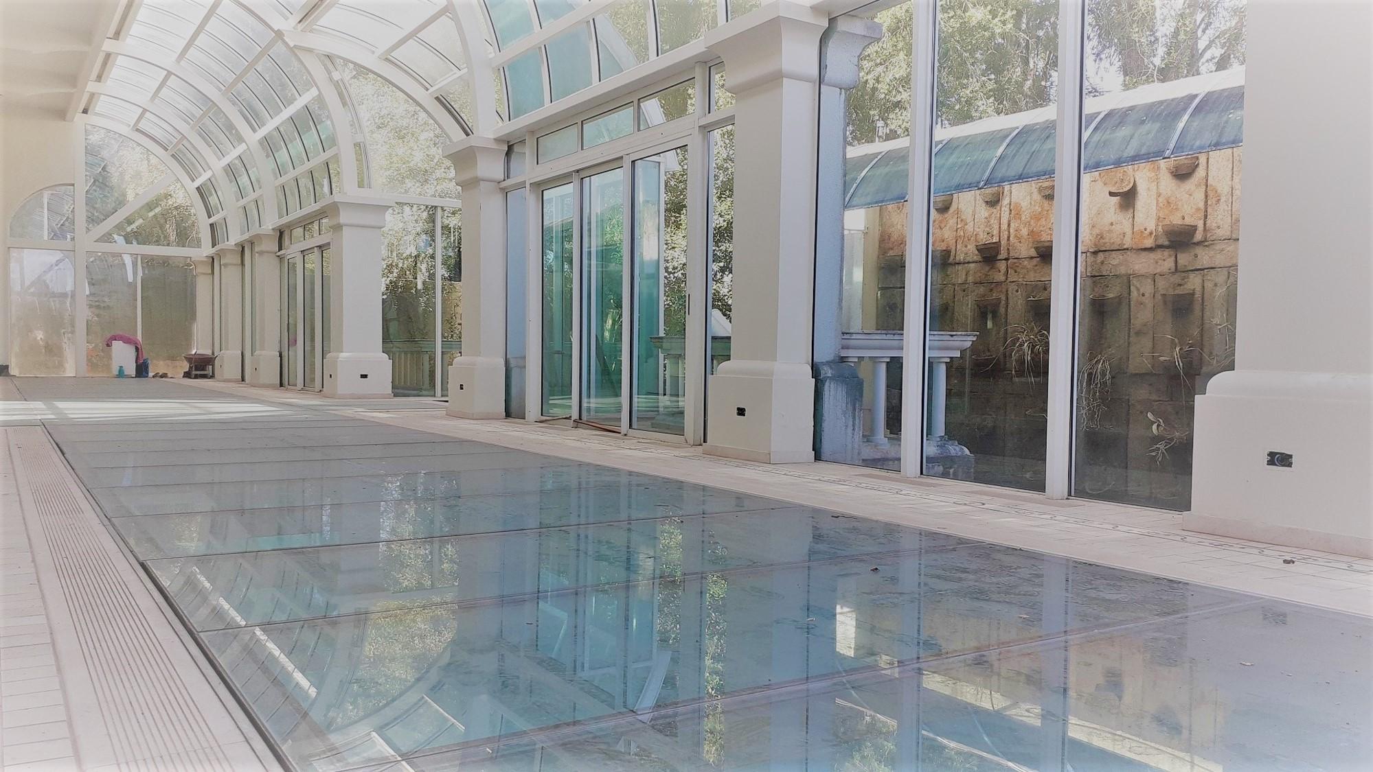 https://0201.nccdn.net/1_2/000/000/108/a21/012-_-piscina-coberta-aquecida.jpg