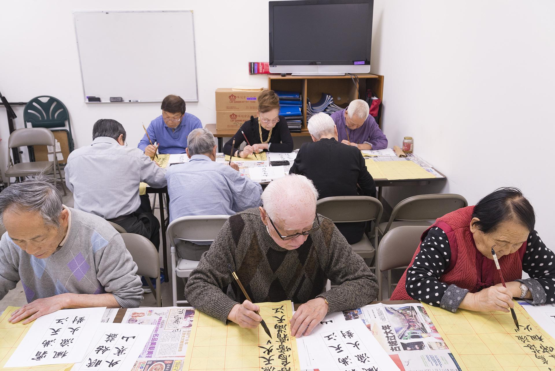 https://0201.nccdn.net/1_2/000/000/109/6f4/Calligraphy-Class2-1920x1282.jpg