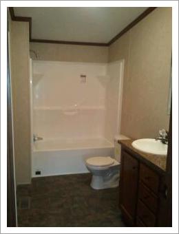 Bathroom with tub||||