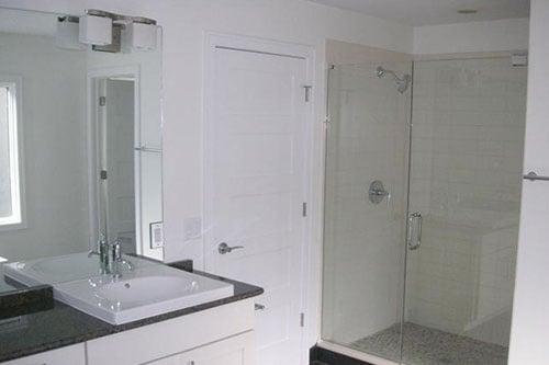 Separate Showerin MBR Bath