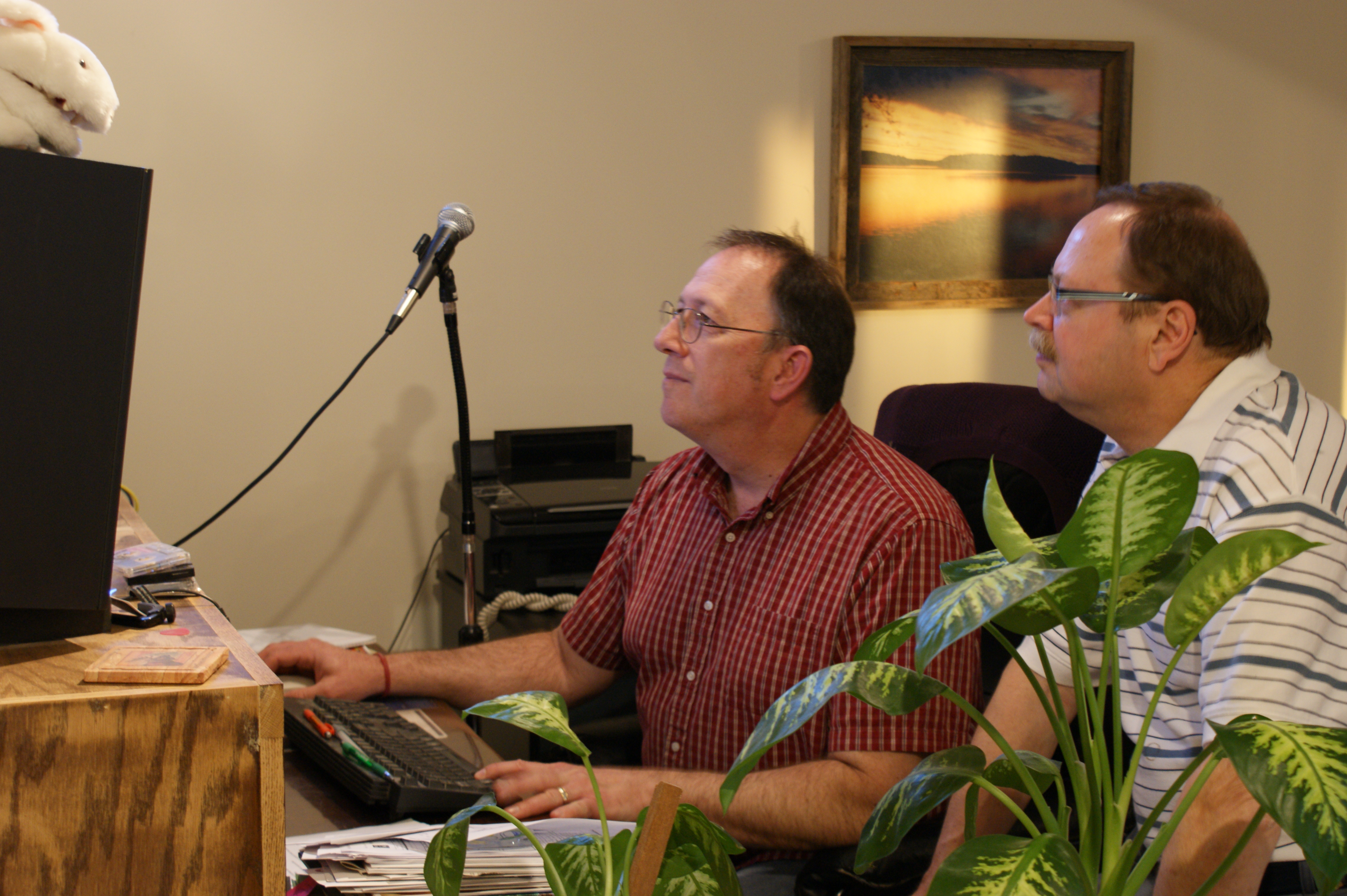 Mike Kronschnabel and Bob Zagozda listening to Bob's tracks for the Keepers of Honky CD