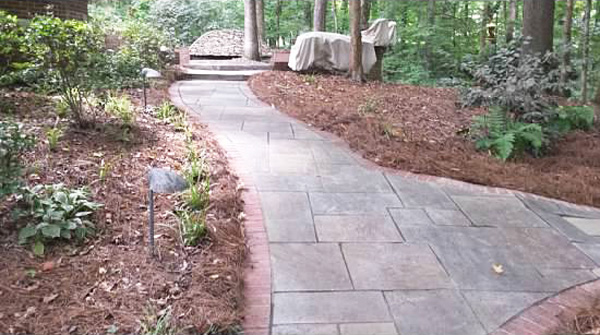 A paving path designed by Stoeckig Landscape Group at a Roswell, Georgia-area home