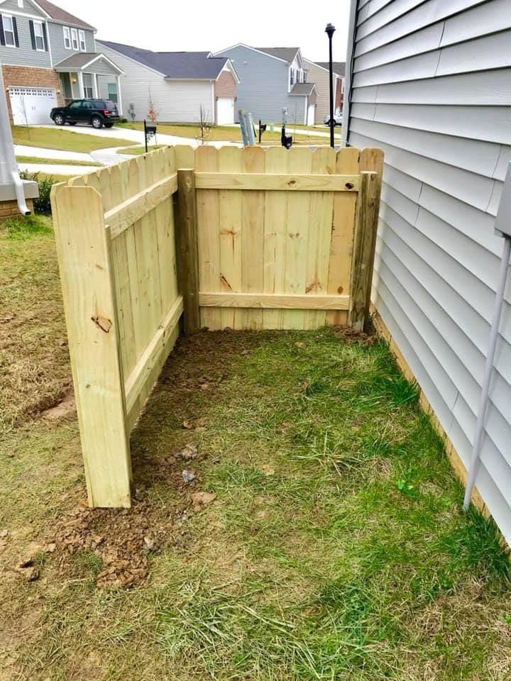 Mershon Trash Enclosure Fence 3
