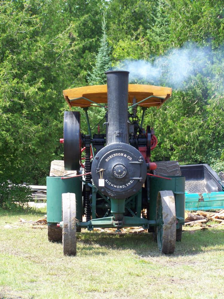 Robinson Steam Engine [2009 Show]