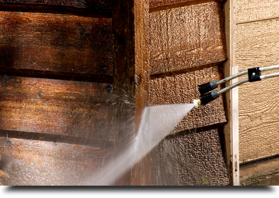 Pressure washer cleaning cedar siding||||