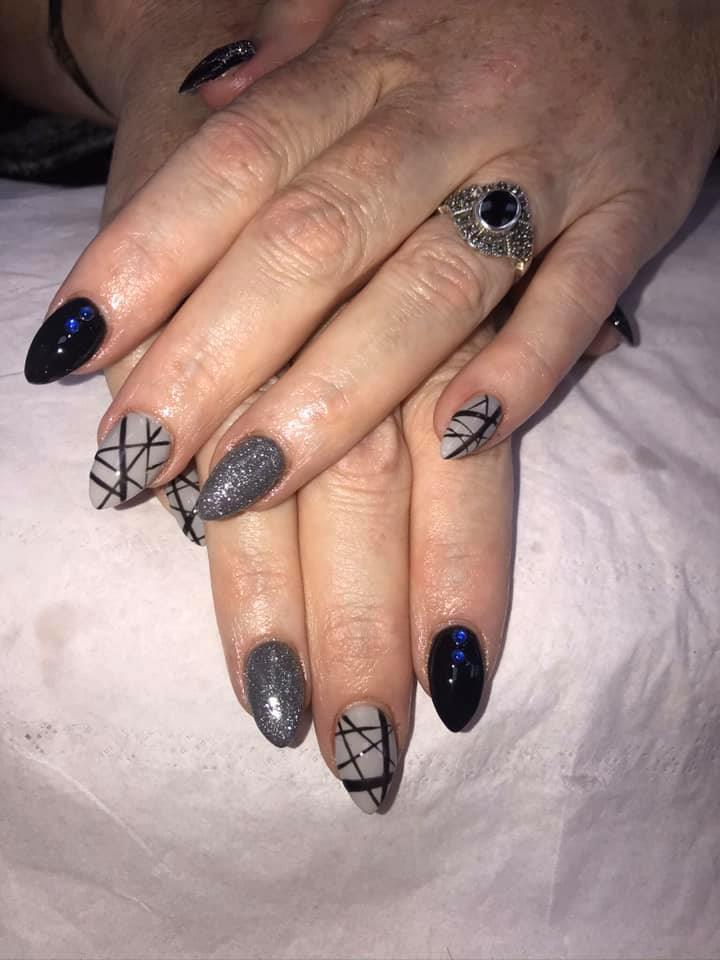 https://0201.nccdn.net/1_2/000/000/111/099/nails-8.jpg