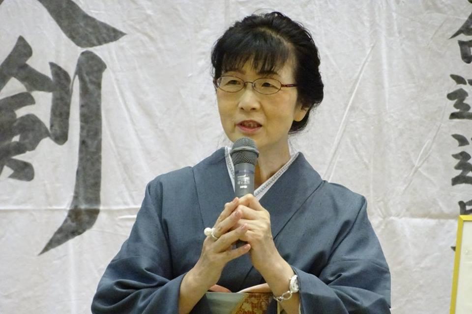 Nakamura Tomoko Kaichou gives opening remarks.