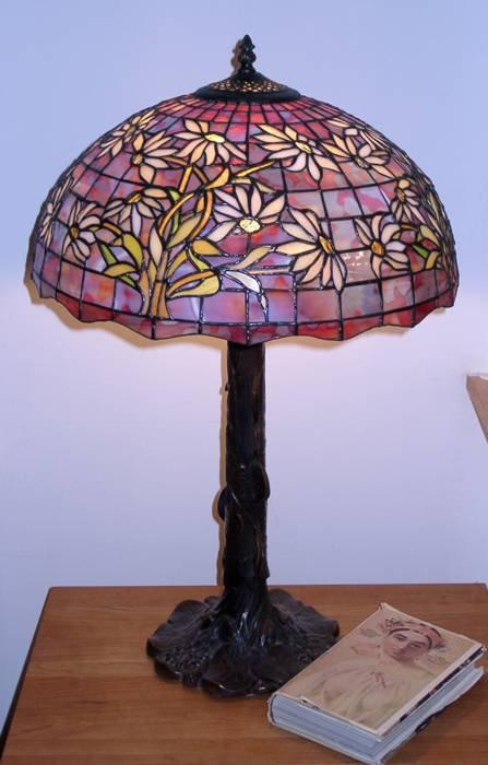 https://0201.nccdn.net/1_2/000/000/113/5ae/Tiffany-Lamp-447x700.jpg