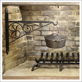 Fireplace crane dutch oven||||