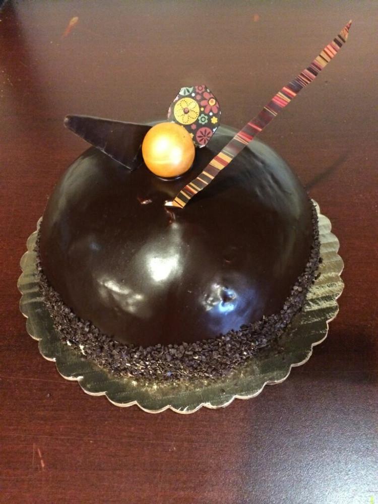 Vanilla and Chocolate Cake, Milk Chocolate and Dark Chocolate Mousse
