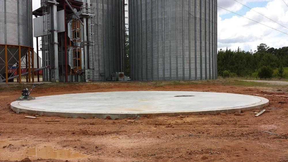 Circular Concrete Pad||||