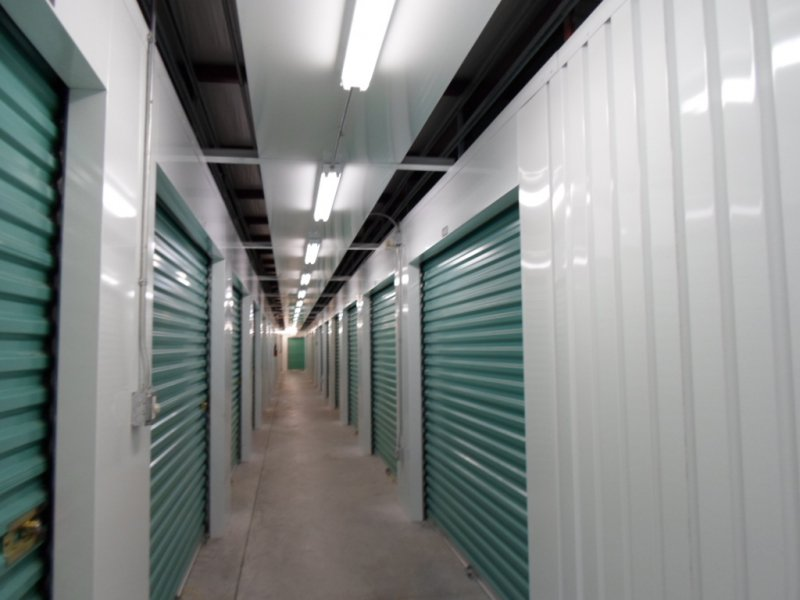Walkup storage rental hallway||||