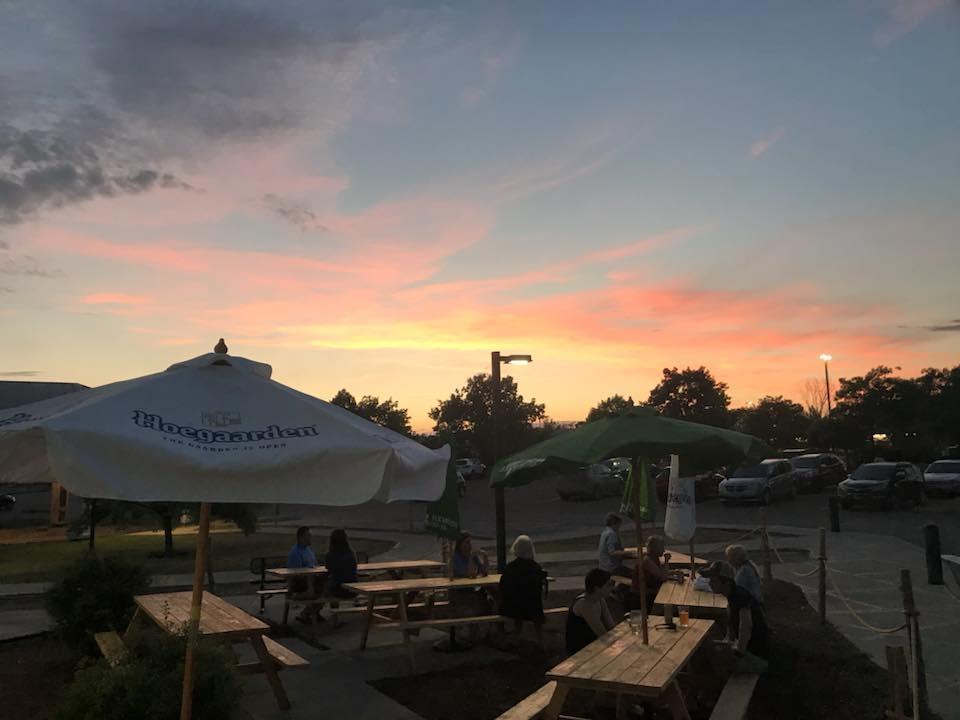 https://0201.nccdn.net/1_2/000/000/11b/d2f/Sunset-960x720.jpg