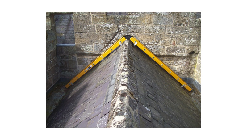 https://0201.nccdn.net/1_2/000/000/11c/49f/aydon-castle-bespoke-roof-ladder.jpg