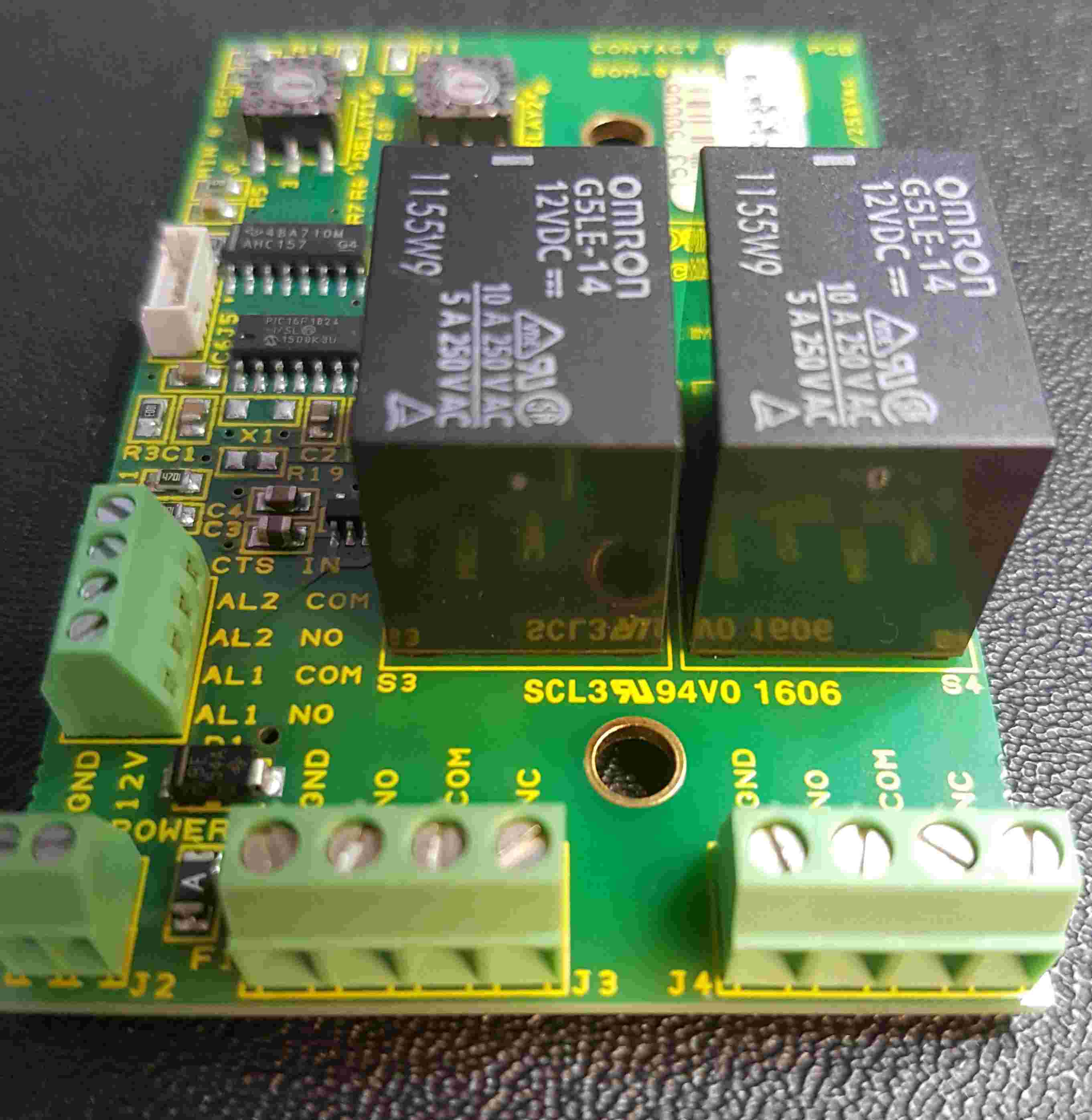 The delay increments and ±1% typical timing accuracy is provided by firmware running on a Microchip PIC16F1824 microcontroller and can easily be changed.