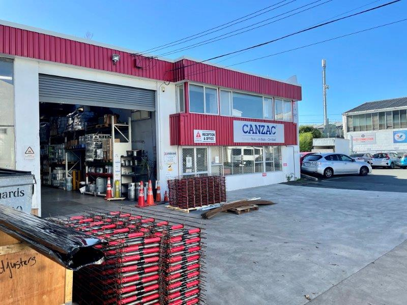 https://0201.nccdn.net/1_2/000/000/11d/418/700-great-south-road-warehouse-for-lease--18-.jpg