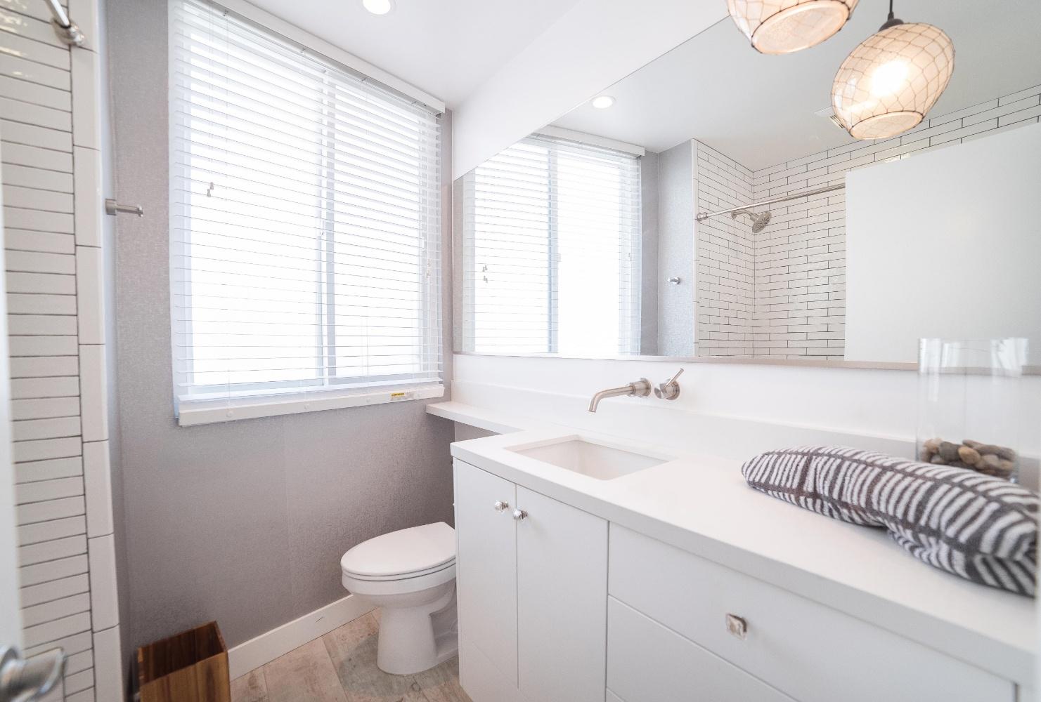 Hermosa Beach Apartment Toilet