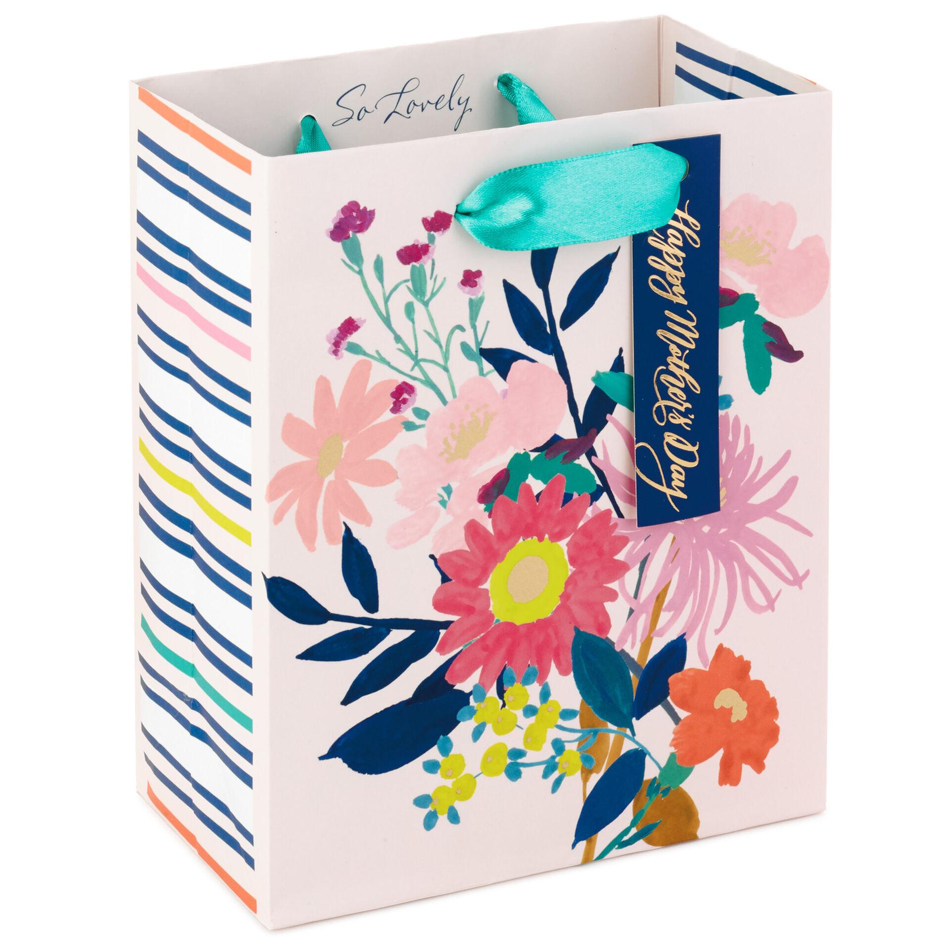https://0201.nccdn.net/1_2/000/000/122/d73/floral-happy-mothers-day-small-gift-bag_299egb6580_01.jpg