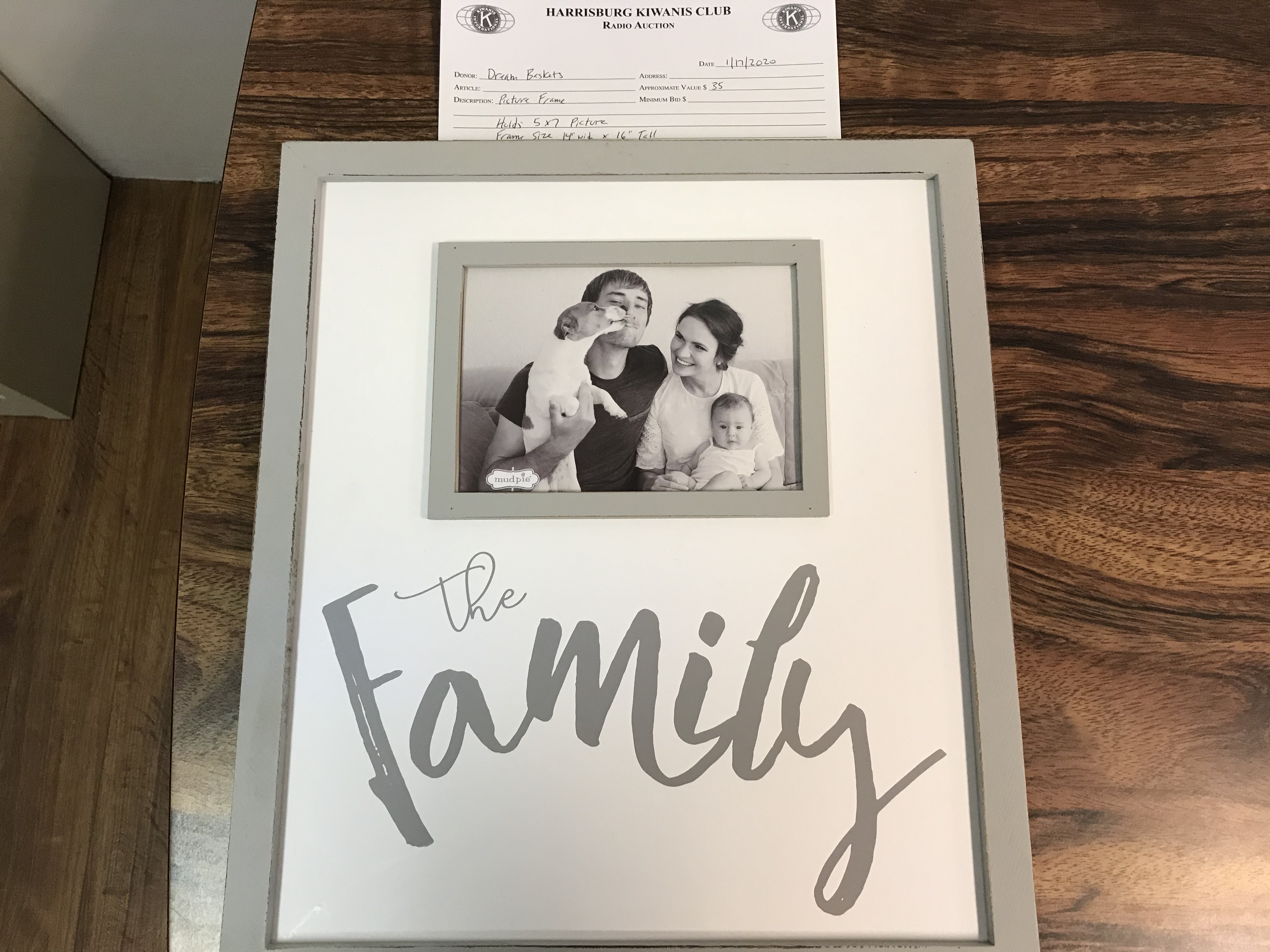 Item 405 - Dream Baskets Picture Frame - 5 x 7 photo