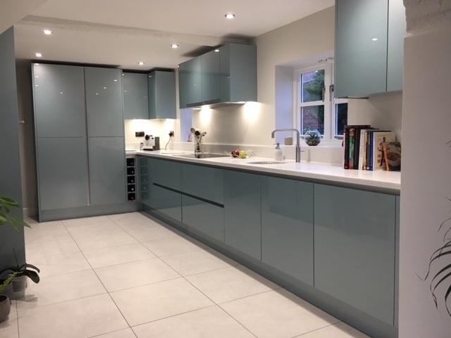 https://0201.nccdn.net/1_2/000/000/124/133/lucas-kitchen-glazier-blue-vero-2-640x480.jpg
