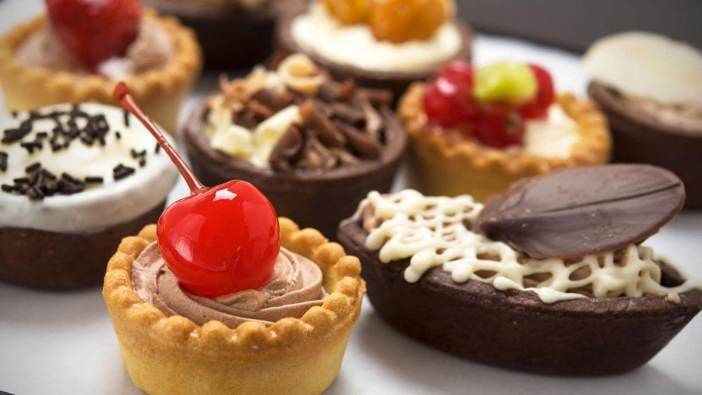 https://0201.nccdn.net/1_2/000/000/124/641/pastries-min.jpg