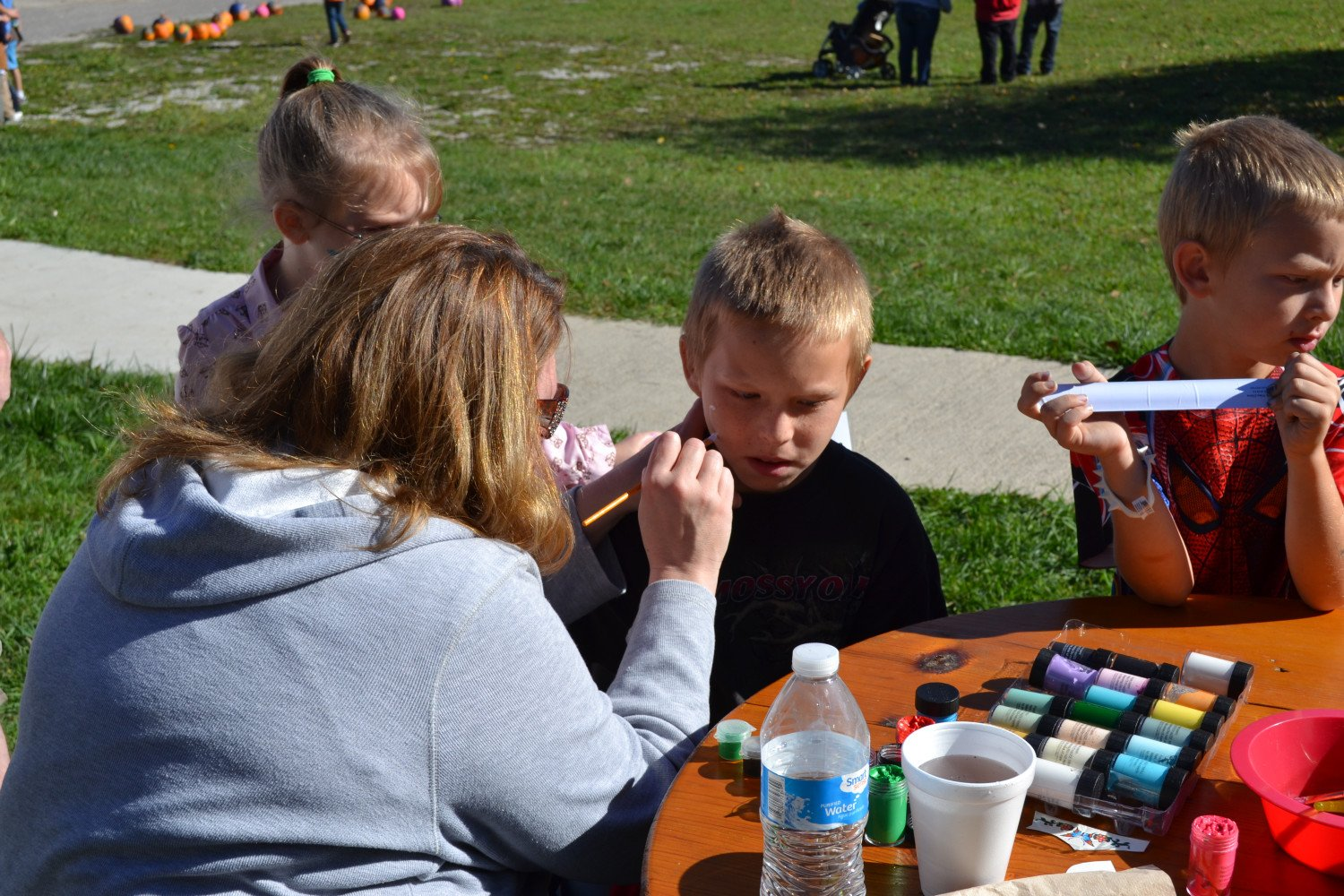 Face Painting    Thanks Susan & Mary Kay!