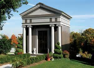 https://0201.nccdn.net/1_2/000/000/125/e62/05-3e-mausoleum.jpg