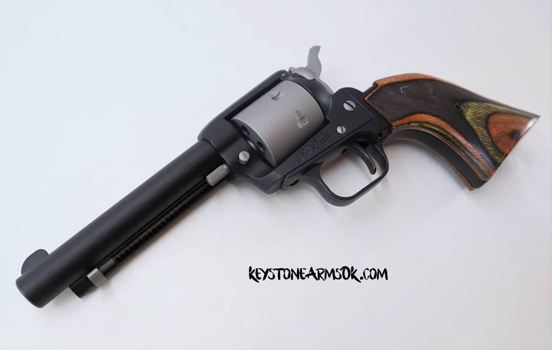 https://0201.nccdn.net/1_2/000/000/126/607/Black-and-Gray-Revolver.jpg