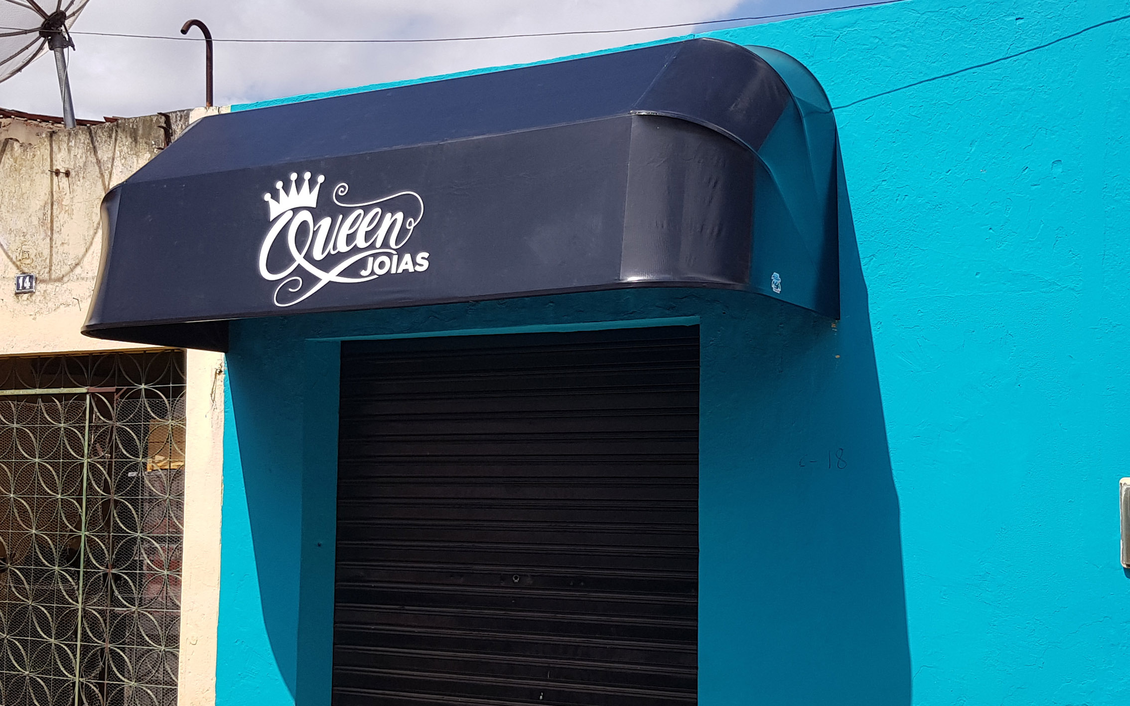 https://0201.nccdn.net/1_2/000/000/127/7ad/atelier2---toldo-queen-joias.jpg