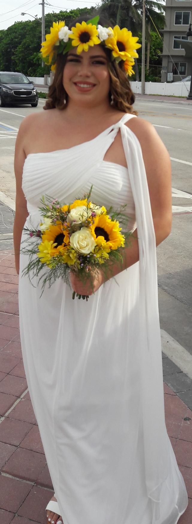 https://0201.nccdn.net/1_2/000/000/127/b24/sunflower-bride.jpg