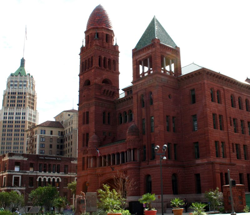 https://0201.nccdn.net/1_2/000/000/127/cd9/downtown-pictures-courthouse-011.jpg