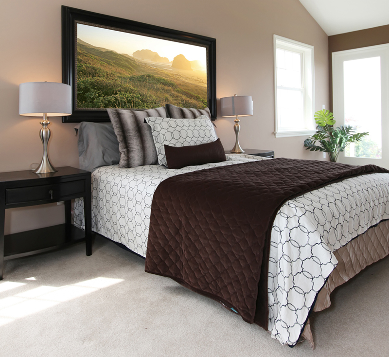 Modern brown and white bed with nightstands||||