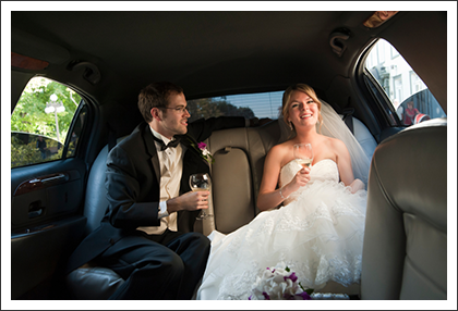 Newlyweds in the limousine||||
