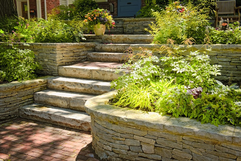 Hardscape outdoor wall and stairs