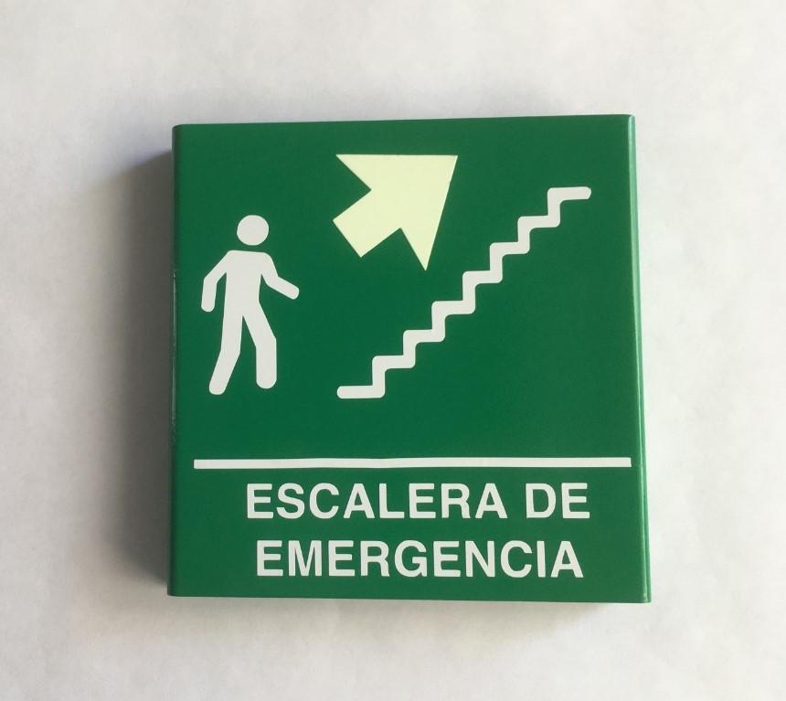 https://0201.nccdn.net/1_2/000/000/128/bbf/escalera-de-emergencia-derecha-arriba-editada.jpeg