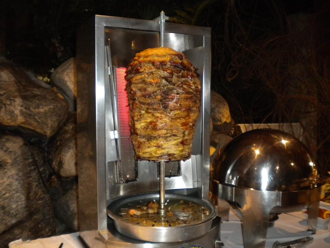 https://0201.nccdn.net/1_2/000/000/12a/7d4/shawarma--1-.JPG