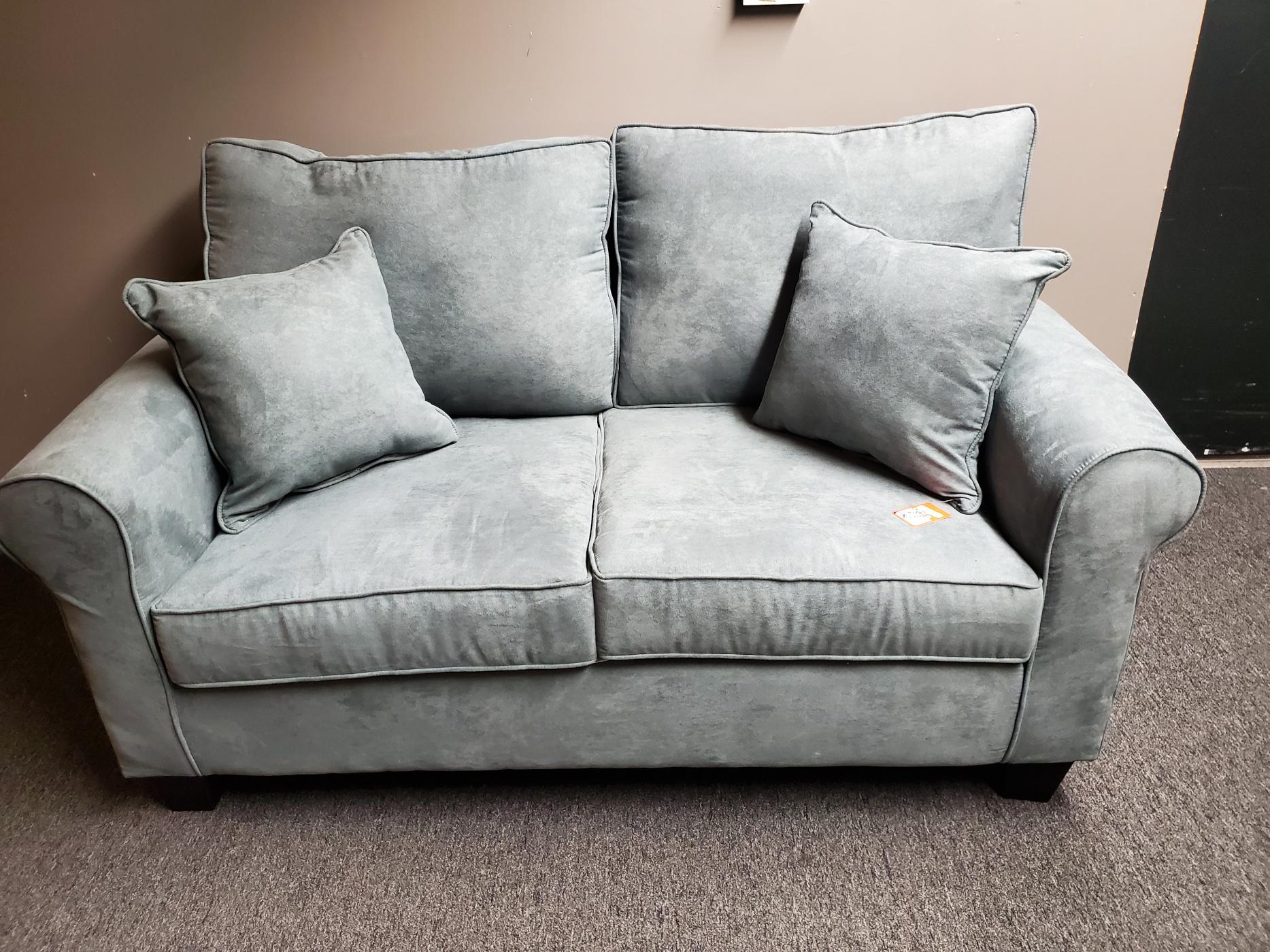 3030 Federal Grey Love Seat