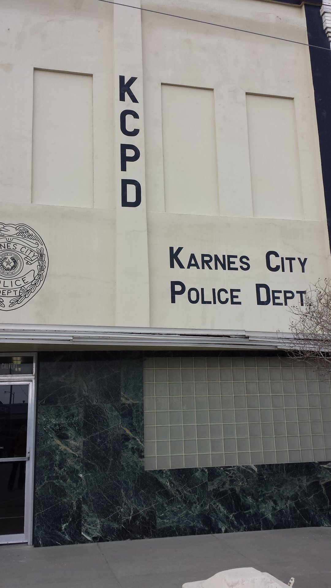Karnes City Police Department 211 E. Calvert Ave. Karnes City, TX 78118 830 780-2300  (non-emergency)