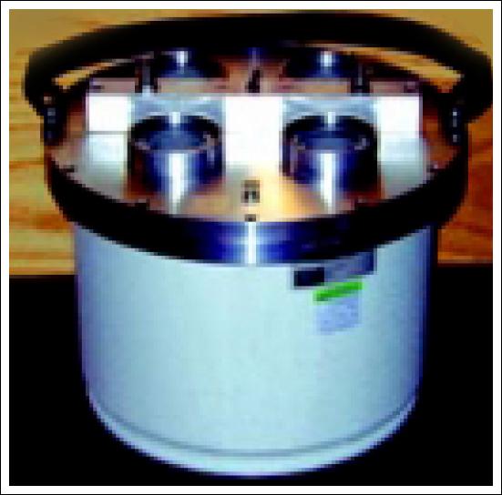 Model 2000 high voltage divider||||