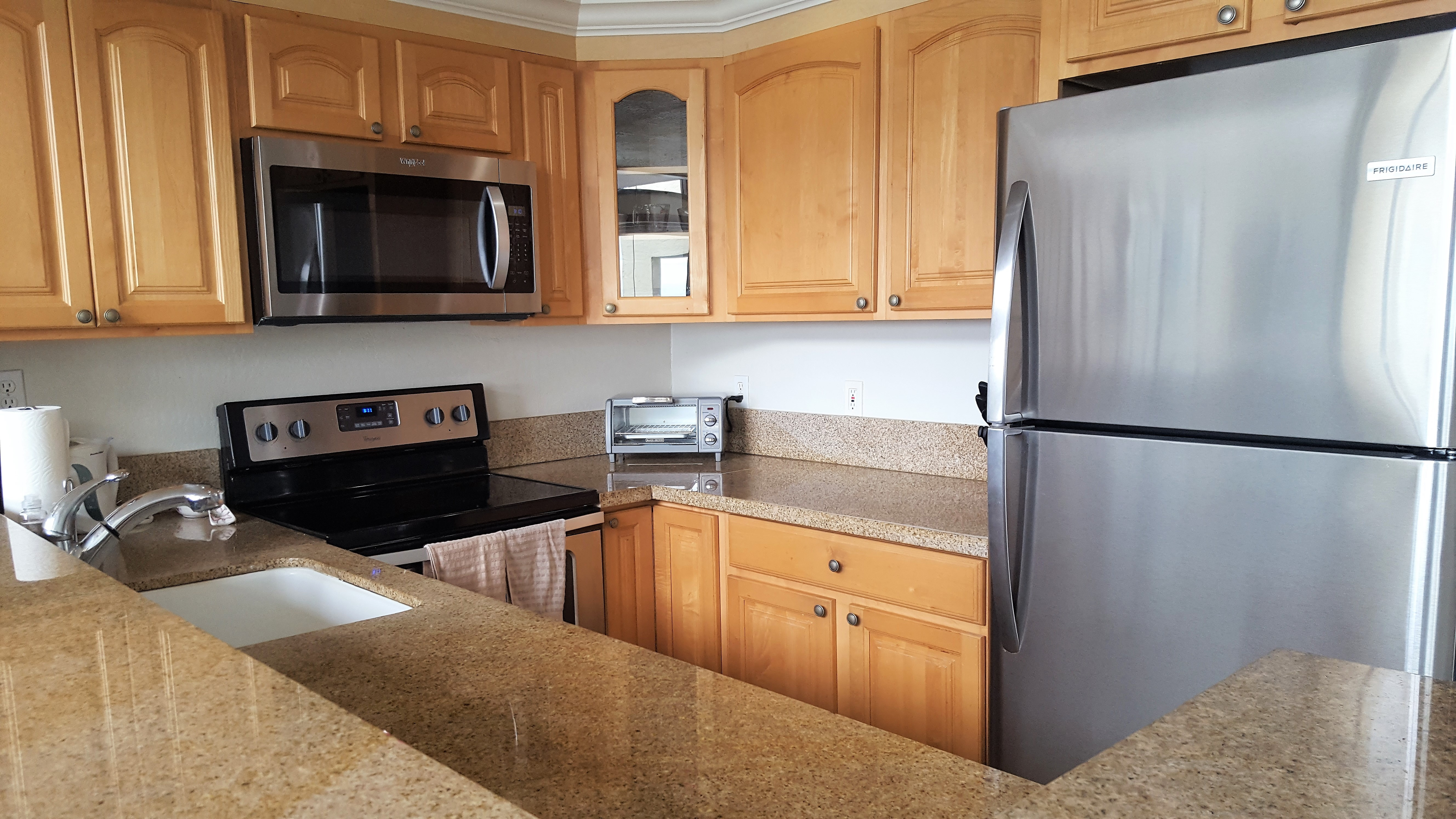 C25 Fully equipped kitchen