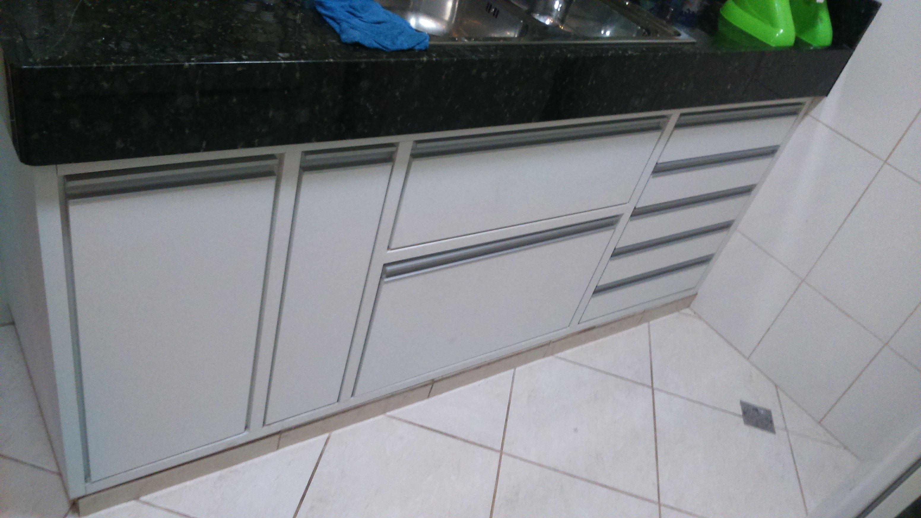 Armário bancada de cozinha.