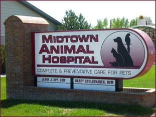 Midtown Animal Hospital sign||||