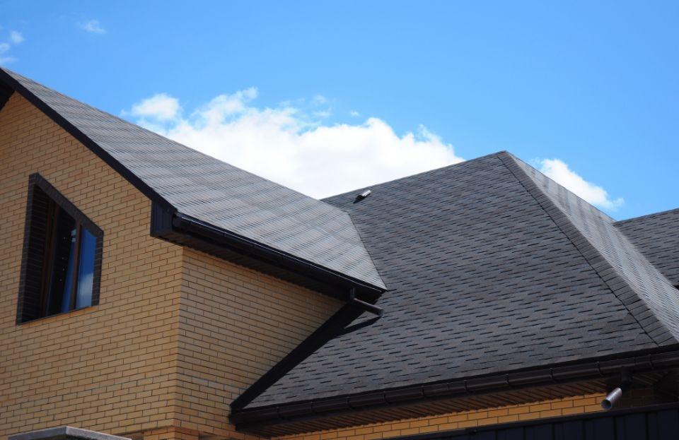 Asphalt shingles roofing construction